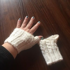 3/$15🎉 Gap fingerless winter gloves